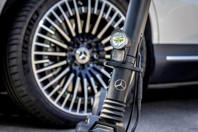 Hulajnoga elektryczna Mercedes-Benz - zbliżenie